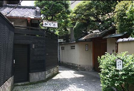 【東京開催】レトロでモダンな石畳のまち 神楽坂を歩く