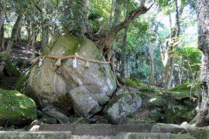 神谷神社の岩